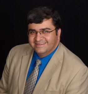Veteran Community Manager Hamlet Vazquez Earns MCAM Designation